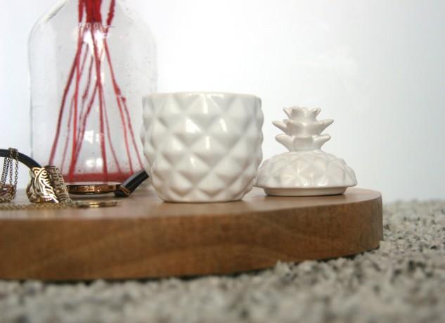 dessous de table en bois. Black Bedroom Furniture Sets. Home Design Ideas